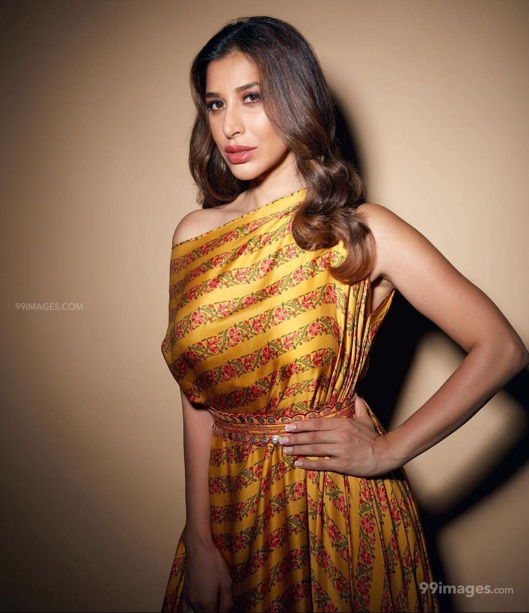 Sophie Choudry Hot HD Photos & Mobile Wallpapers (1080p) (621134) - Sophie Choudry