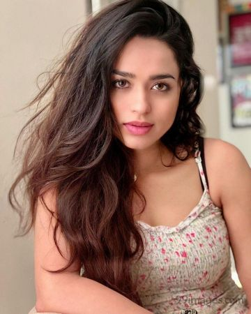 Soundarya Sharma  Hot HD Photos & Wallpapers for mobile Download, WhatsApp DP (1080p)