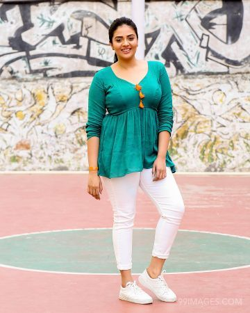 Sreemukhi Beautiful Photos & Mobile Wallpapers HD (Android/iPhone) (1080p) (sreemukhi, actress, hd images, television anchor, television actress)