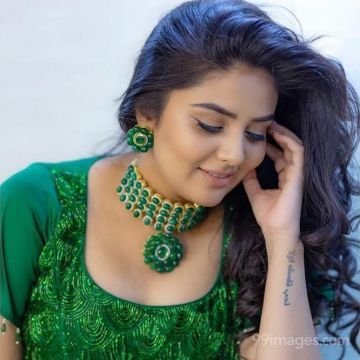 Sreemukhi Beautiful HD Photos (1080p)