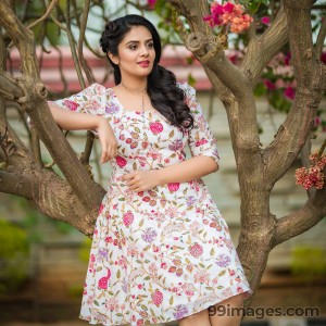 Sreemukhi Beautiful HD Photoshoot Stills & Mobile Wallpapers HD (1080p) - #18089