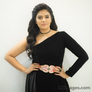 Sreemukhi Beautiful HD Photoshoot Stills & Mobile Wallpapers HD (1080p) - #18060