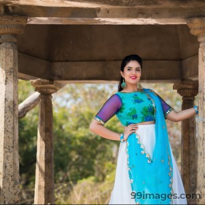 Sreemukhi Beautiful HD Photoshoot Stills & Mobile Wallpapers HD (1080p) - #18076