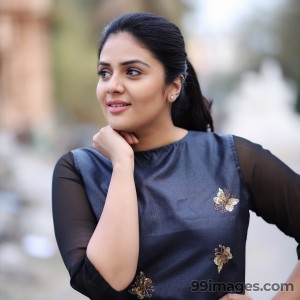Sreemukhi Beautiful HD Photoshoot Stills & Mobile Wallpapers HD (1080p) - #18123