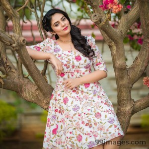 Sreemukhi Beautiful HD Photoshoot Stills & Mobile Wallpapers HD (1080p) - #18085