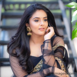 Sreemukhi Beautiful HD Photoshoot Stills & Mobile Wallpapers HD (1080p) - #17755