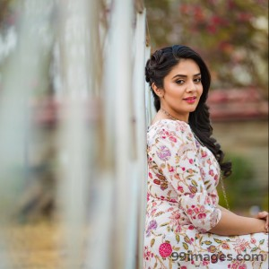Sreemukhi Beautiful HD Photoshoot Stills & Mobile Wallpapers HD (1080p) - #18079