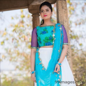 Sreemukhi Beautiful HD Photoshoot Stills & Mobile Wallpapers HD (1080p) - #18073