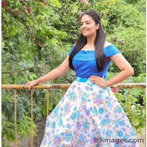 Sreemukhi Beautiful Photos & Mobile Wallpapers HD (Android/iPhone) (1080p)