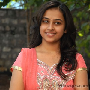 Sri Divya Beautiful HD Photos (1080p)