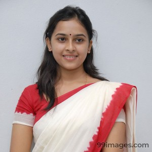 Sri Divya Cute HD Photos (1080p)