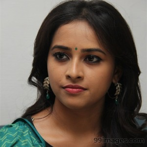 Sri Divya Cute HD Photos (1080p) - #8154