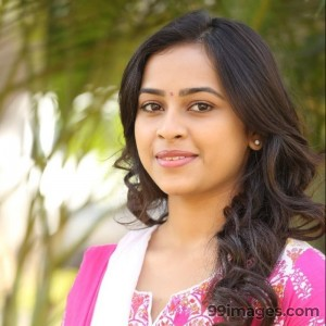Sri Divya Cute HD Photos (1080p) - #8165