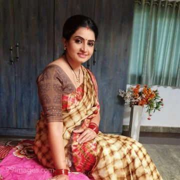 Sujitha Latest Hot HD Photos / Wallpapers (1080p) (Instagram / Facebook)