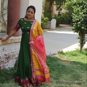 Suma Kanakala Beautiful Photos & Mobile Wallpapers HD (Android/iPhone) (1080p)