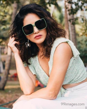 Sunny Leone Hot HD Wallpapers/Images (1080p)
