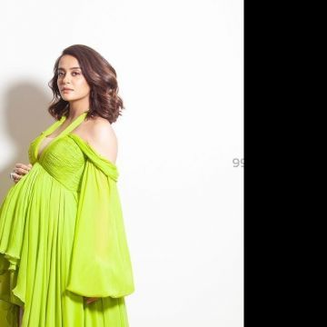 Surveen Chawla Beautiful Photos & Mobile Wallpapers HD (Android/iPhone) (1080p)