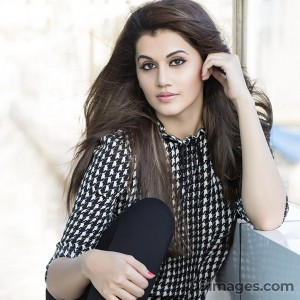 Taapsee Pannu Beautiful HD Photoshoot Stills (1080p) - #8838