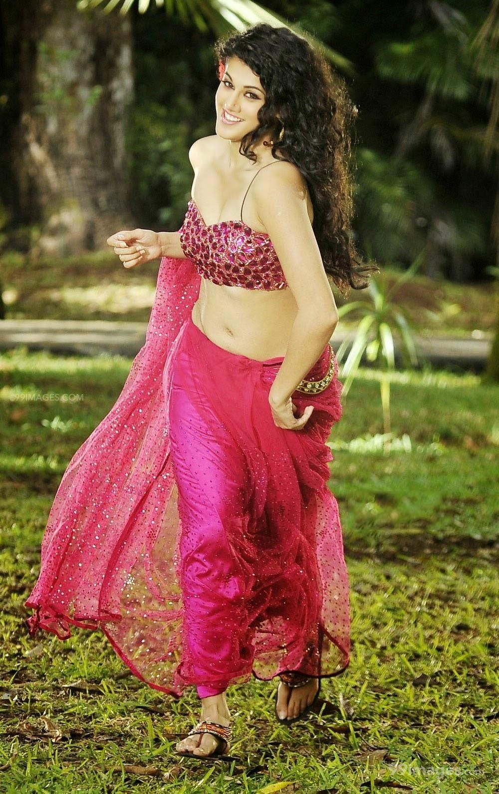 Taapsee Pannus latest beautiful stills in HD Quality (1080p) (325292) - Taapsee Pannu