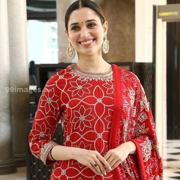 Tamanna Bhatias latest photos HD (1080p) at Sye Raa Narasimha Reddy Press Meet