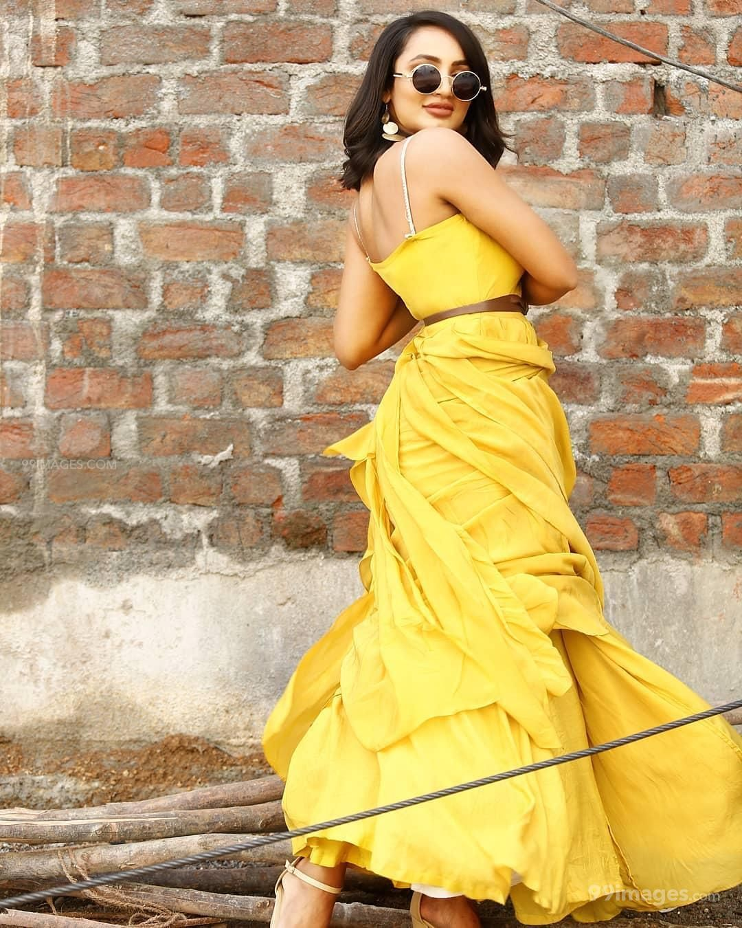 Tejaswi Madivada Hot HD Photos & Wallpapers for mobile Download, WhatsApp DP (1080p) (286303) - Tejaswi Madivada