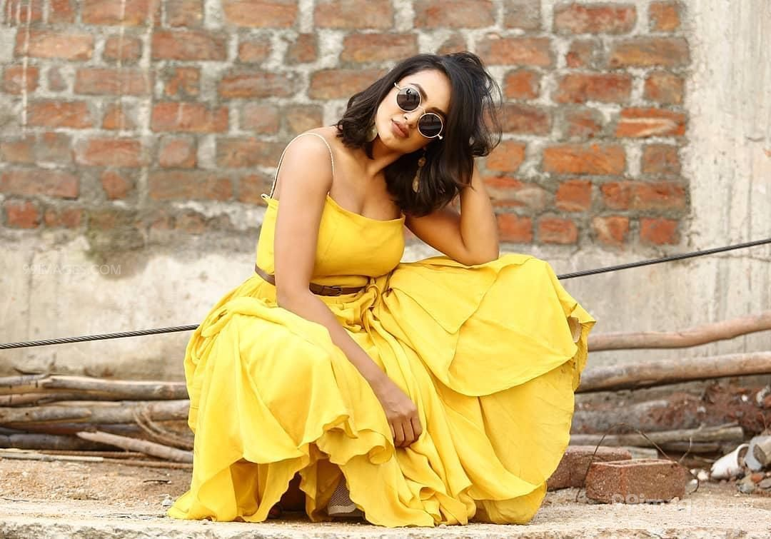 Tejaswi Madivada Hot HD Photos & Wallpapers for mobile Download, WhatsApp DP (1080p) (286304) - Tejaswi Madivada