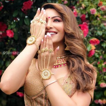 Urvashi Rautela Beautiful Photos & Mobile Wallpapers HD (Android/iPhone) (1080p) - urvashi rautela,actress,model,hd wallpapers,hd images,bollywood