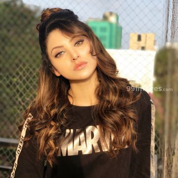 Urvashi Rautela Beautiful Photos & Mobile Wallpapers HD (Android/iPhone) (1080p) - #36296