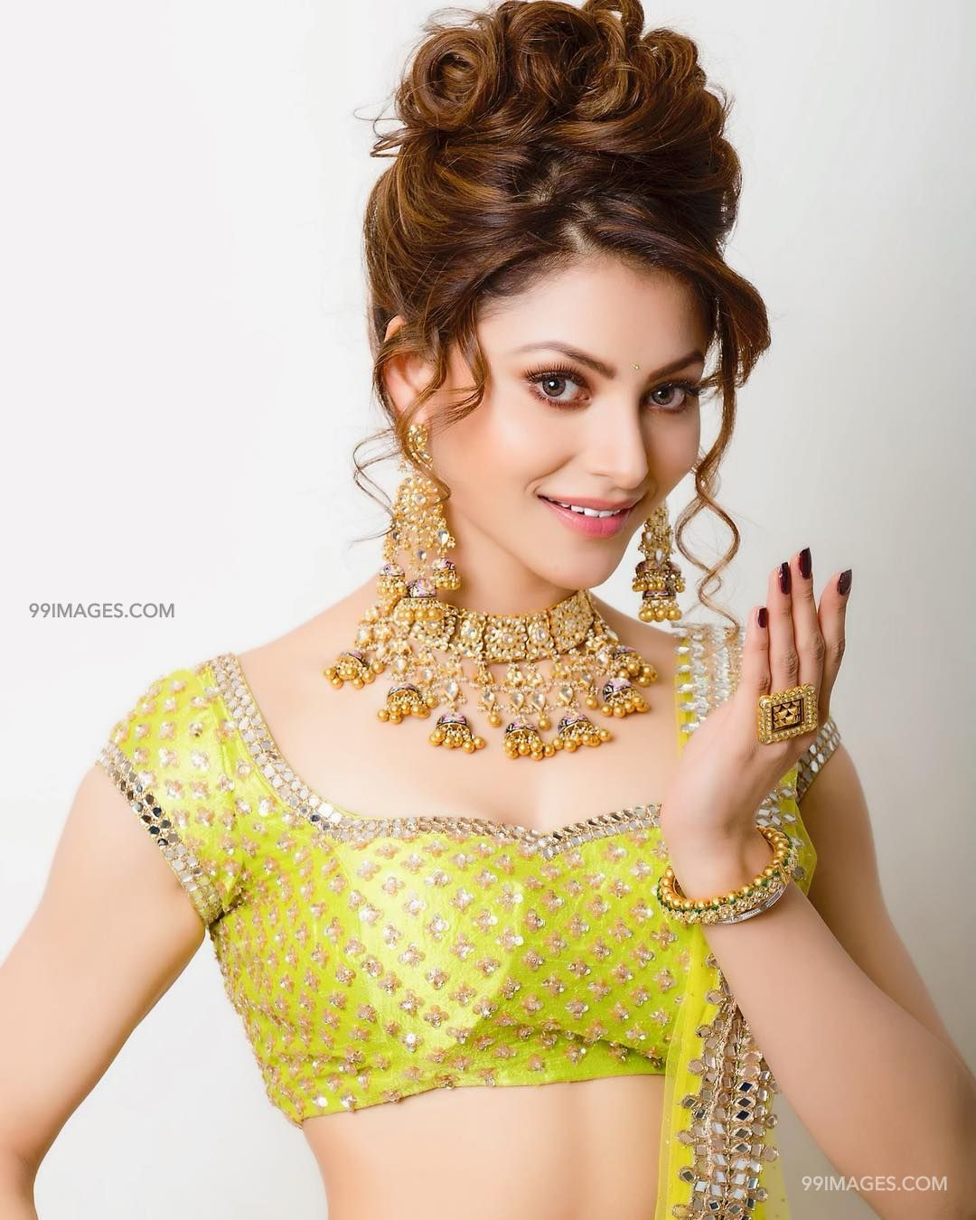 Urvashi Rautela Beautiful Photos & Mobile Wallpapers HD (Android/iPhone) (1080p) (36209) - Urvashi Rautela