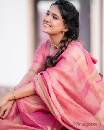 Vani Bhojan Beautiful HD Photoshoot Stills (1080p)