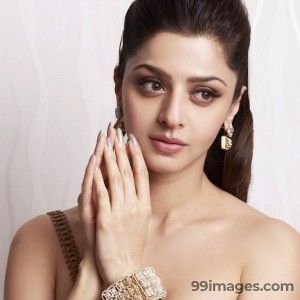 Vedhika Beautiful HD Photoshoot Stills & Mobile Wallpapers HD (1080p)