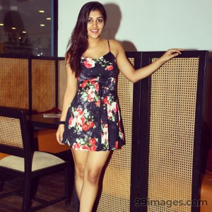 Yashika Anand Beautiful Photos & Mobile Wallpapers HD (Android/iPhone) (1080p) - #19301