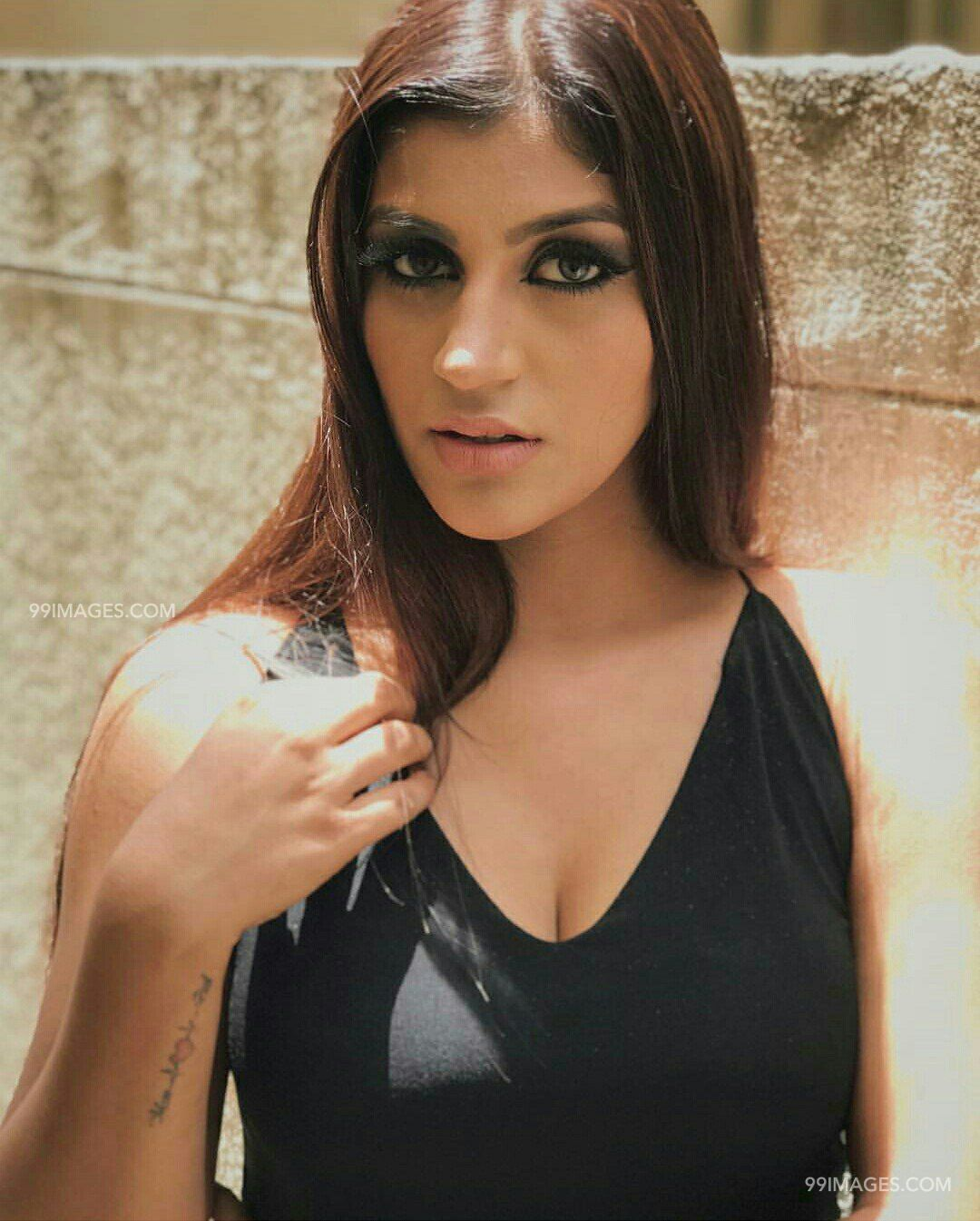 Yashika Anand Hot Hd Photos 1080p