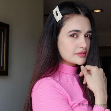 Yuvika Chaudhary Hot HD Photos & Wallpapers for mobile (1080p)
