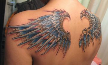 3d Realistic Feather Back Tattoo Design