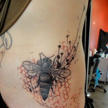 Red Bee Ribs Tattoo Design