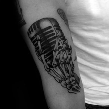 Ink Vintage Skeleton Hand Tattoo Design