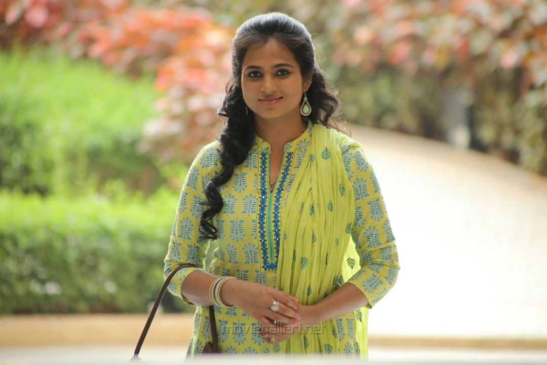 Aan Devathai Movie Heroine Ramya Pandian Photo HD. New - Android / iPhone HD Wallpaper Background Download (858535) - Bollywood