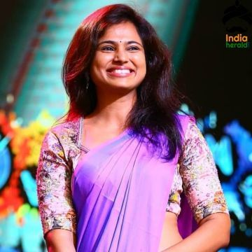 Ramya Pandian Latest Hot Purple Saree Clicks - Android / iPhone HD Wallpaper Background Download