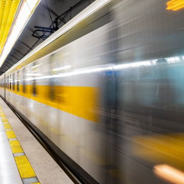 Speed Subway System Commuters Railway Public Transportation Motion Subway Platform Public Traffic Commuting - Android / iPhone HD Wallpaper Background Download