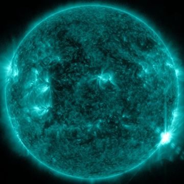 Blue Solar Flare - Android, iPhone, Desktop HD Backgrounds / Wallpapers (1080p, 4k)